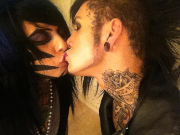 Davie Vanity  amp  Jayy Von Monroe KissingJayy Von Monroe And Dahvie Vanity 2014